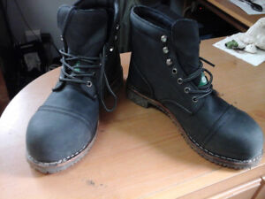 WORK BOOTS  price reduced