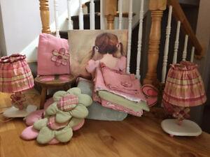 Girl's Bedroom Set - Bedding, Lighting, Decor