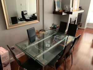 Beautiful Glass Dining Table & 6 Leather Chairs
