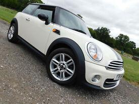 2011 61 MINI Mini 1.6 Cooper WHITE**LOW MILES**FSH**£6500