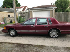 1990 Lincoln Towne Car