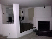 NICE CONDO FOR RENT TEMPORARY AVAILABLE CLOSE TO METRO ANGRIGNON