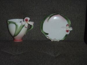 Franz tea cup & saucer