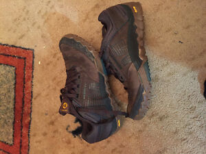 Size 9 Merrell shoes