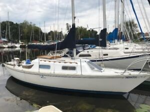 Two boat owner must sell HR 25'