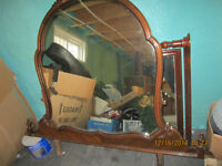 DRESSER MIRROR IN GREAT SHAPE