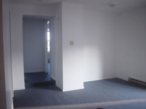 2 Bedroom Apt Down Town Dundas