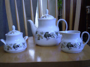 "Royal Doulton Vintage Fine China - "" Larchmont "" -Tea Set"