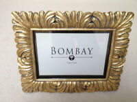 BOMBAY COMPANY PICTURE FRAME