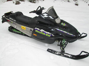 ARCTIC CAT MOUNTAIN CAT 600 EFI 2001 RUNS GREAT WITH REVERSE Prince George British Columbia image 1