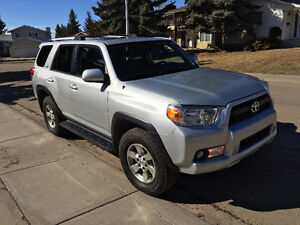 2010 Toyota 4Runner SR5, Leather heated seats, Remote Starter