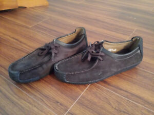 man's shoes size 7 and 6