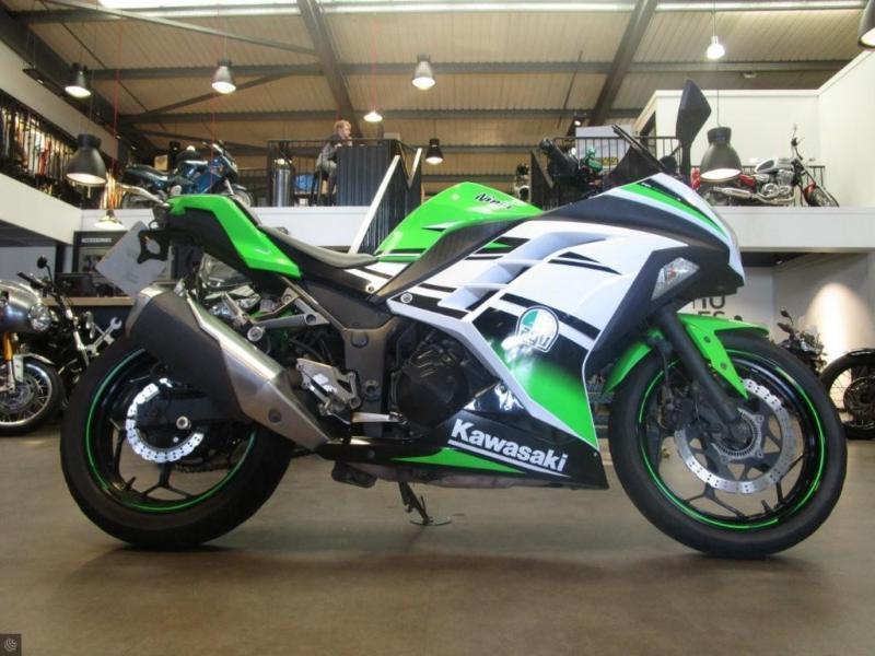 Kawasaki Ninja 300 2015 15000 Miles 30th Anniversary Edition