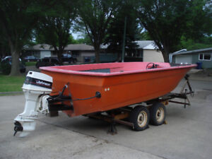 REDUCED July 29th,1997 21.5ft DECKBOAT,Trailer and Lift