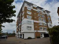 2 bedroom flat in Princes Riverside Road, Rotherhithe SE16