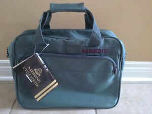 Unisex green luggage bag cabin carry on bag travel bag NWT