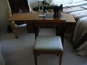 moulin machine a coudre sewing antique singer 400$  fonctionnel