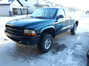 1998 Dodge Dakota Sport 4x4 Pickup Truck