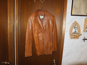 100% Leather Jacket - Vintage -Made in Canada