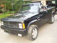 DODGE DAKOTA CONVERTIBLE 4X4 1989