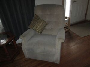 Reclining Chair- Just like a Lazy-boy