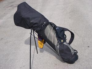 Set de 12 batons de golf, sac, et 12 balles neuve seulement $60