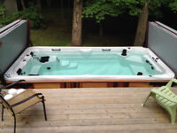 Salt Swim spa - hot Tub/ Spa nage au sel (Price reduced)