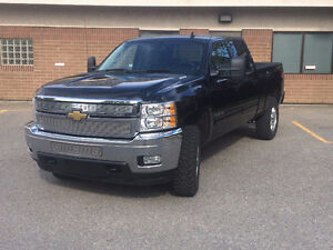 2011 Chevrolet Silverado 2500 Chrome Pickup Truck