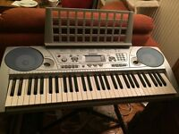 Yamaha PSR-275 keyboard with stand