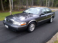 2003 Mercury Grand Marquis Blue Sedan