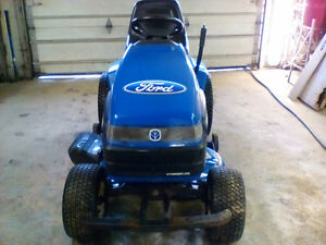 Ford New Holland  lawn tractor  15hp 38' cut  $2000.