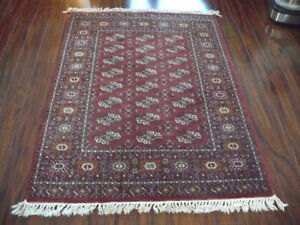 Area rug w/ knotted trim