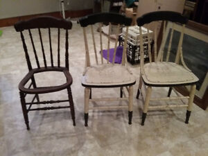8 Wooden Chairs (Old) - REDUCED!! Kawartha Lakes Peterborough Area image 2