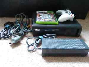 XBox 360 Elite. 120 gb with 1 controller and GTA 5