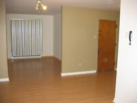 6 1/2 apt. looking for 2 room mates 296.66$/each+utilities