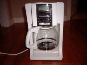MR COFFEE MAKER WITH FILTERS