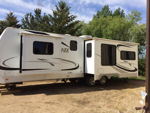 2008 Jazz Camper by Thor 31 ft