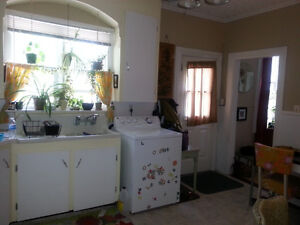 Charming 2 BDRM Downtown on Charlotte! $825 Sept 1st!