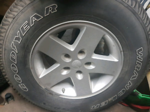 2008 jeep wrangler 17 spare rim and tire