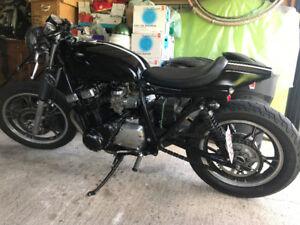 82 Suzuki GS750 Cafe Style