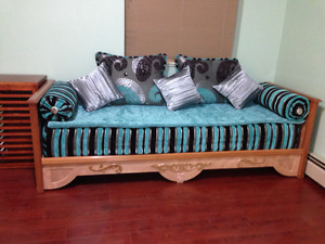 Couch moroccan style