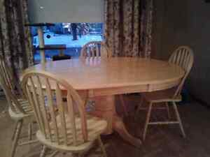 Hardwood dining table set w/4 chairs
