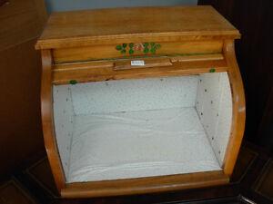 Vintage Roll-Top Bread Box Cambridge Kitchener Area image 2