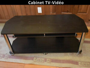 TV MONITOR & AUDIO-VIDEO STAND