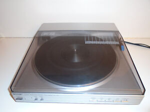 SHARP LINEAR TRACKING TURNTABLE (RECORD PLAYER ) Cambridge Kitchener Area image 1