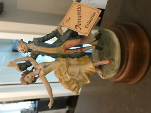 Musical figurines - the Amoretto collection