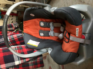 Siège d'auto bébé Graco Snugride 35