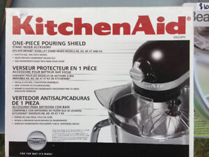 Kitchen Aid One-Piece Pouring Shield