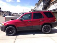 2006 Ford Escape XLT very good condition