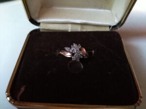 Ladies Gold and diamond 14k ring and thin necklace